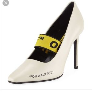 New in box OFF-WHITE PUMP Size 7(37)